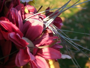 silk-flowers-17874_640
